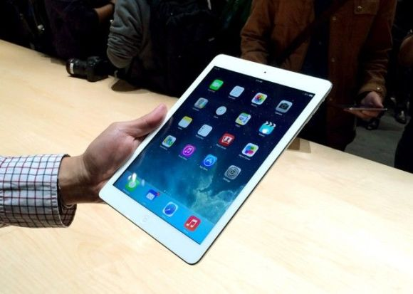 5789476_apples-ipad-air-the-worlds-thinnest_t25859454